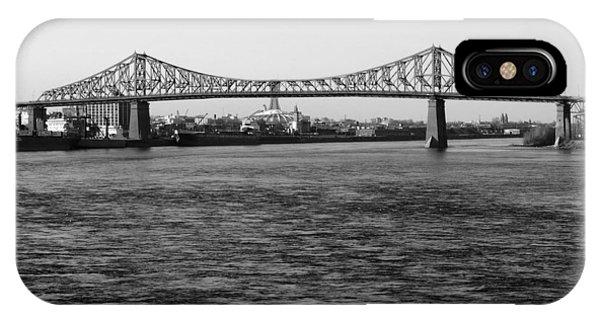 Le Pont Jacques Cartier IPhone Case