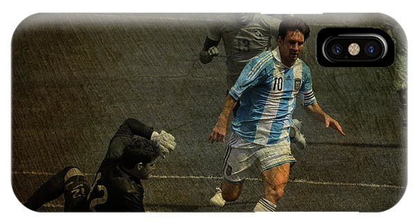 Lionel Messi Breaking Raphael Cabrals Ankles  IPhone Case