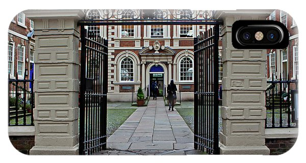 Liverpool Uk 20th December 2015. Bluecoat Chambers Building Built In 1716-1717 Is The Oldest Surviving Building In Central Liverpool IPhone Case