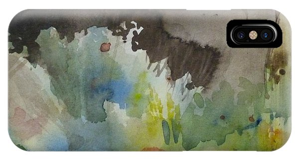 Lointain IPhone Case