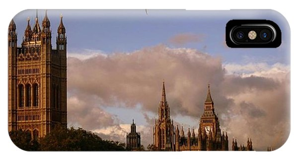 London iPhone Case - #london #parliamenthouse #westminster by Ozan Goren