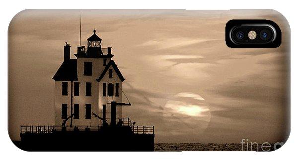 Lorain Lighthouse - Lake Erie - Lorain Ohio IPhone Case