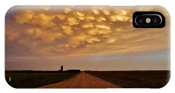 Mammatus Road IPhone Case