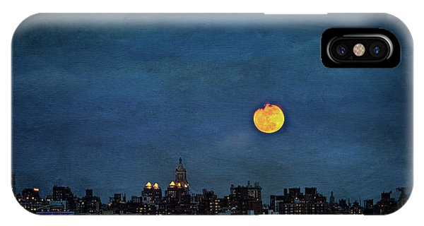 IPhone Case featuring the photograph Manhattan Moonrise by Chris Lord