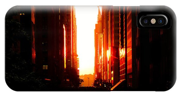 City Sunset iPhone Case - Manhattanhenge Sunset Overlooking Times Square - Nyc by Vivienne Gucwa