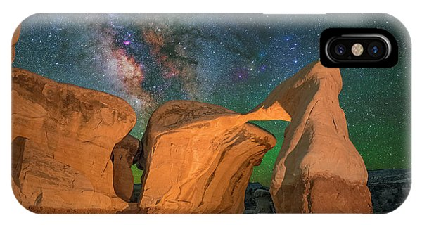 Metate Arch IPhone Case