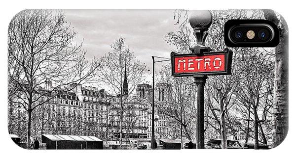 Metro Pont Marie IPhone Case