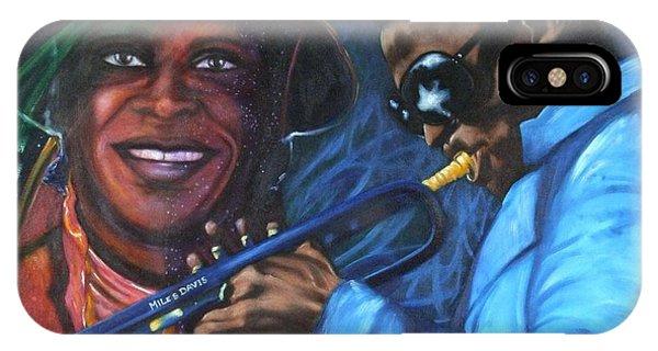 Blaa Kattproduksjoner            Miles Davis - Smiling IPhone Case