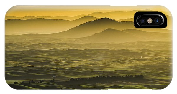 Misty Morning At Palouse. IPhone Case