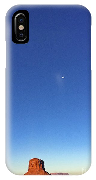 Monument Valley Morning View IPhone Case
