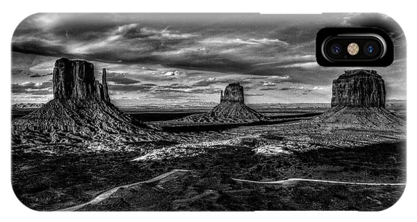 Monument Valley Views Bw IPhone Case