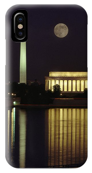 Lincoln Memorial iPhone Case - Moonrise Over The Lincoln Memorial by Richard Nowitz