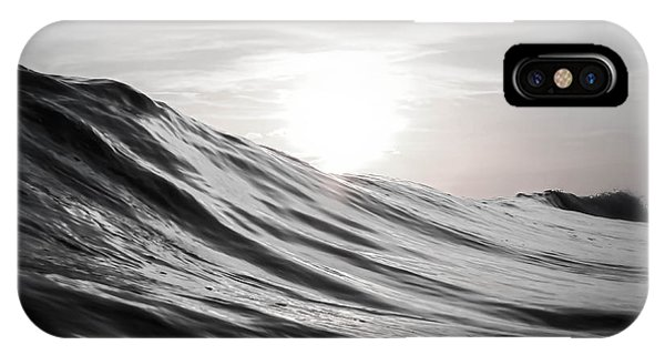 Waves iPhone Case - Motion Of Water by Nicklas Gustafsson