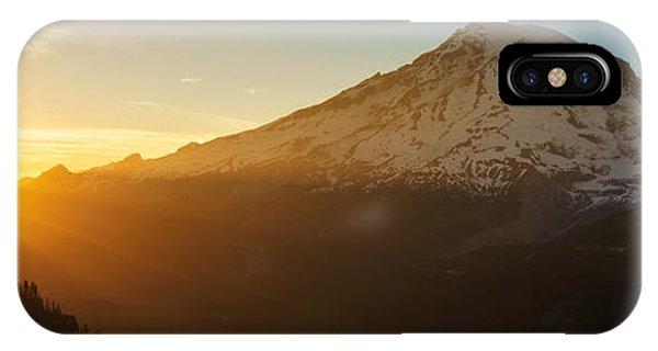 Mount Rainier Evening Light Rays IPhone Case