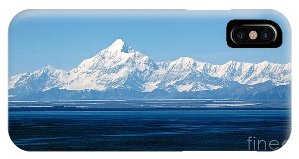 Mount Saint Elias. Yakutat Bay Seascapes IPhone Case