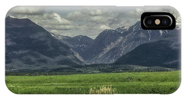 Mountain View Montana.... IPhone Case