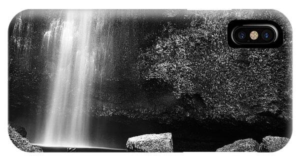 Multnomah Falls Base IPhone Case