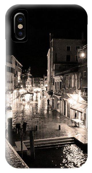Mysterious Venice Monochrom IPhone Case