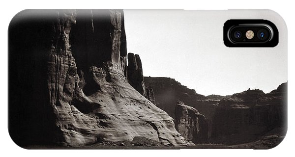 Navajos: Canyon De Chelly, 1904 IPhone Case
