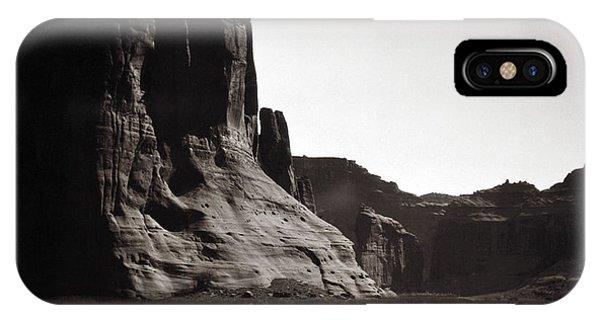 iPhone Case - Navajos Canyon De Chelly, 1904 by Granger