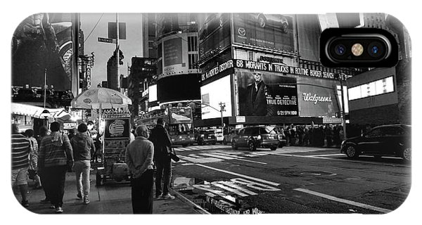IPhone Case featuring the photograph New York, New York 1 by Ron Cline