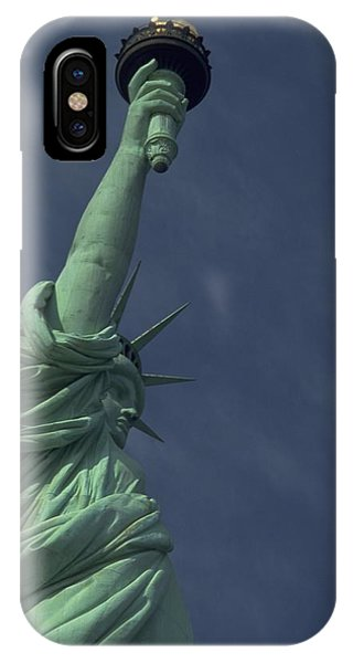 Michel Guntern iPhone Case - New York by Travel Pics
