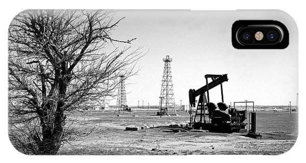 Oklahoma iPhone Case - Oklahoma Oil Field by Larry Keahey