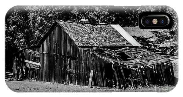 Old Barn River Road Sonoma County Black And White IPhone Case