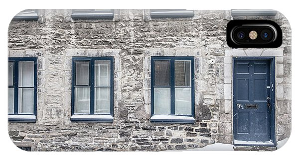 Quebec City iPhone Case - Old Building In Quebec City by Edward Fielding