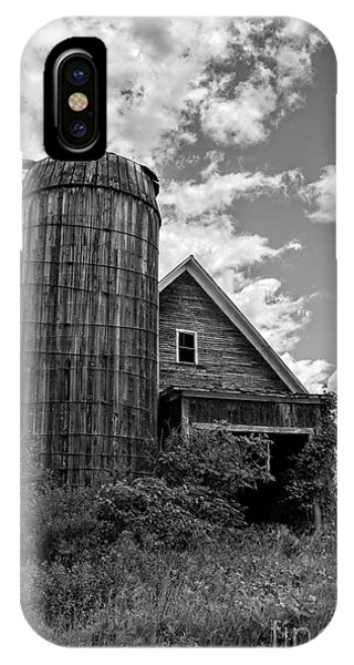 New England Barn iPhone Case - Old Ely Vermont Barn by Edward Fielding