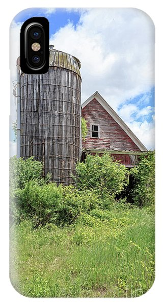 Silo iPhone Case - Old Historic Barn In Vermont by Edward Fielding
