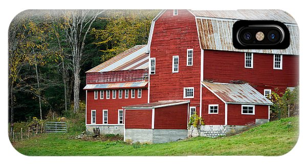 New England Barn iPhone Case - Old Red Vermont Barn by Edward Fielding
