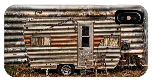 Old Vintage Rv Camper In The Mississippi Delta IPhone Case