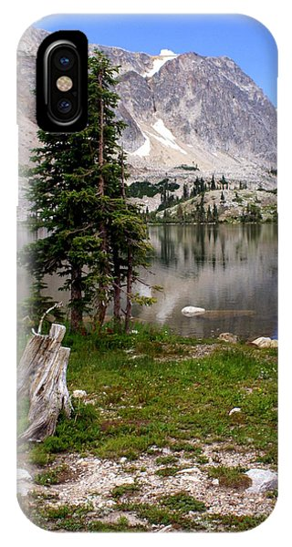 On The Snowy Mountain Loop IPhone Case