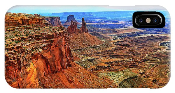 Overlooking Canyonlands National Park    Moab Utah IPhone Case
