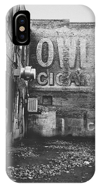 Owl Cigar- Walla Walla Photography By Linda Woods IPhone Case
