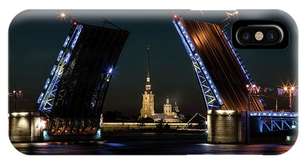 IPhone Case featuring the photograph Palace Bridge At Night by Jaroslaw Blaminsky
