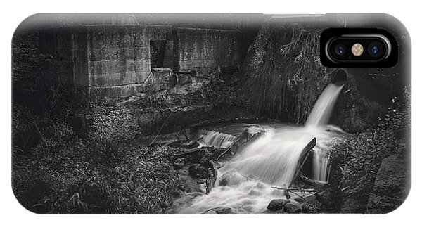 Kettles iPhone Case - Paradise Springs Dam And Turbine House Ruins by Scott Norris