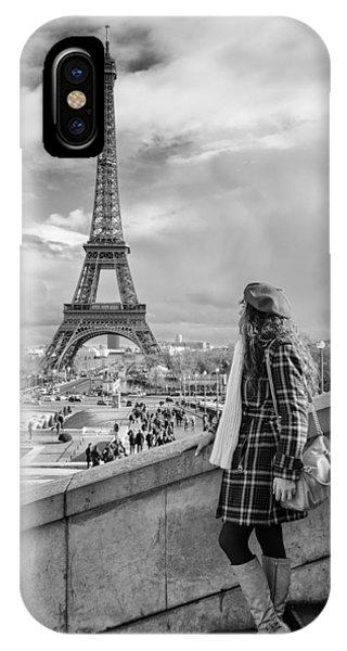 Parisien 2 IPhone Case