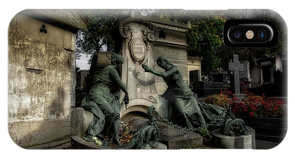Pere Lachaise Tomb IPhone Case