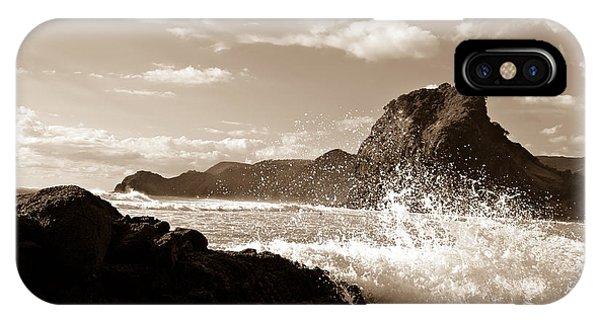 Piha New Zealand Waves IPhone Case