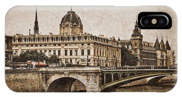 Paris, France - Pont Notre Dame Oldstyle IPhone Case