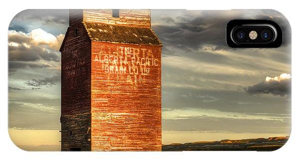 Desolation iPhone Case - Prairie Sentinel by Wayne Sherriff