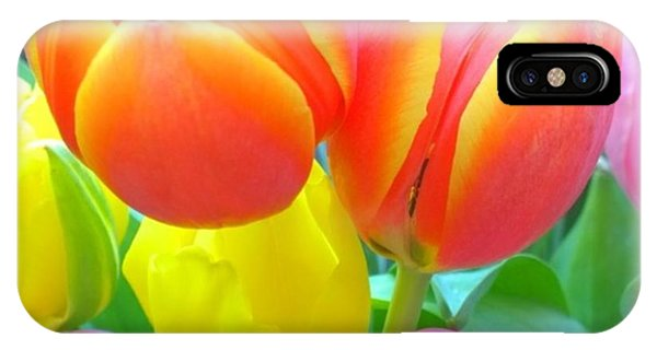 Florals iPhone Case - Pretty #spring #tulips Make Me Smile by Shari Warren