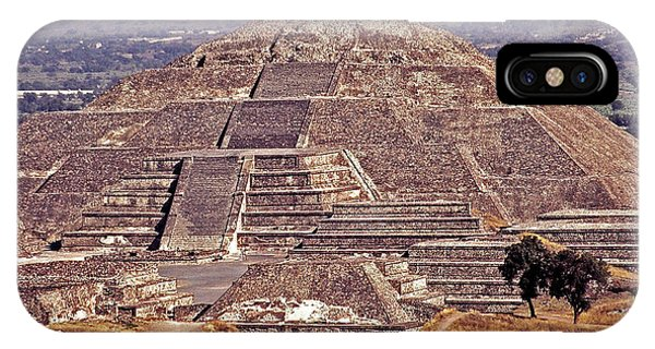 Pyramid Of The Sun - Teotihuacan IPhone Case