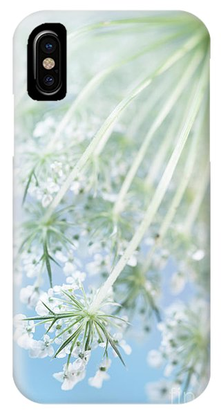 Style iPhone Case - Queen Anne's Lace by Masako Metz