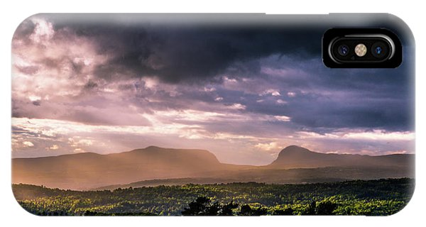 Rain Showers Over Willoughby Gap IPhone Case