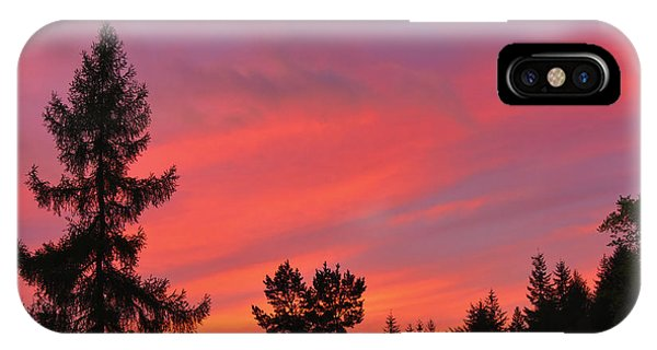 Red Sky At Night. Phone Case by Stan Pritchard