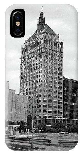 Rochester, Ny - Kodak Building 2005 Bw IPhone Case