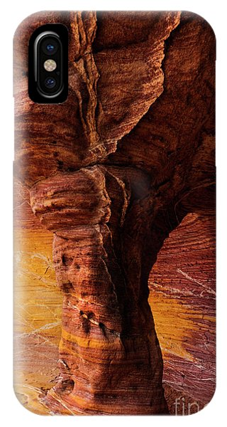 Valley Of Fire iPhone Case - Tree Of Stone by Mike Dawson